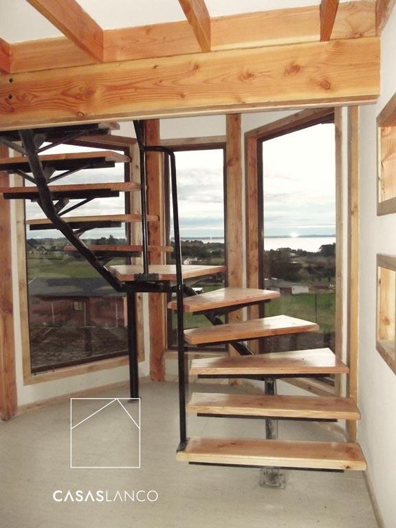 Peldaños de escalera de pino Oregón.