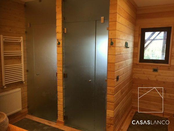 Puertas de baño de vidrio templado.